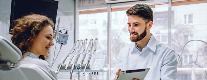 Cómo puede el odontólogo reducir el riesgo de una demanda