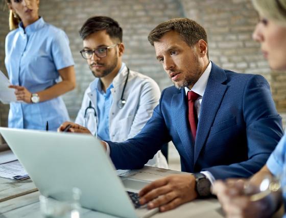 Asesor jurídico para los profesionales de la salud